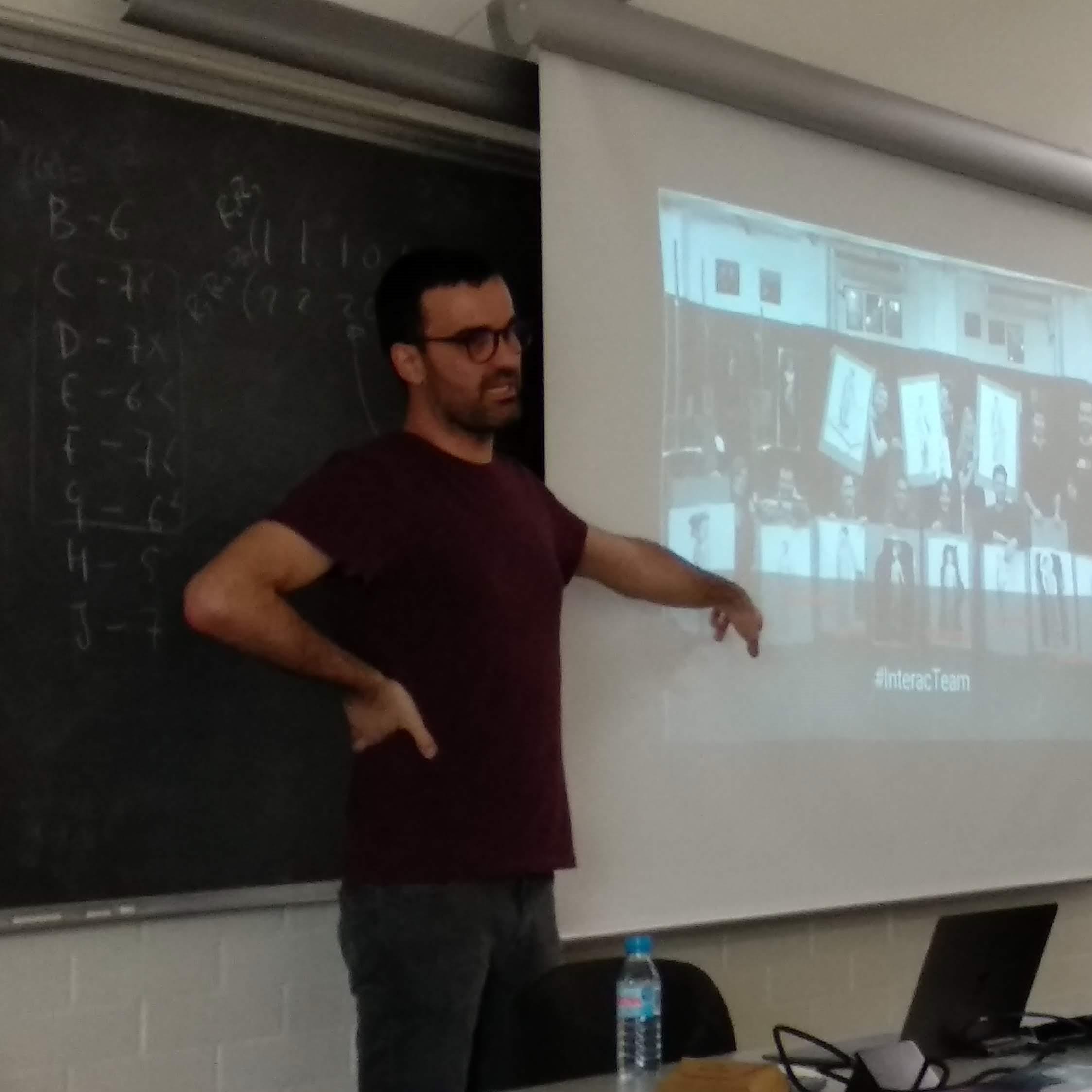 Tomás Modroño durante su charla en la EPS